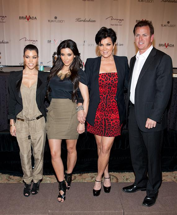 Kourtney, Kim, Kris and Scott Sibella (President/CEO of The Mirage)