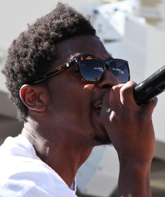 Shwayze performs at Wet Republic