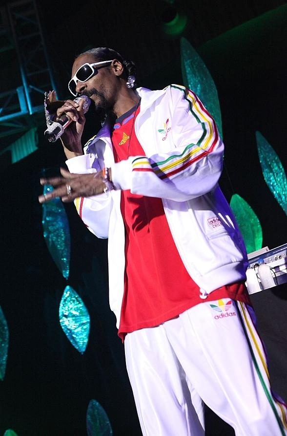 Snoop Dogg at Rain Nightclub
