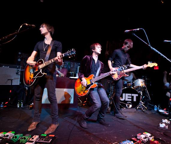 Jet performs at Wasted Space