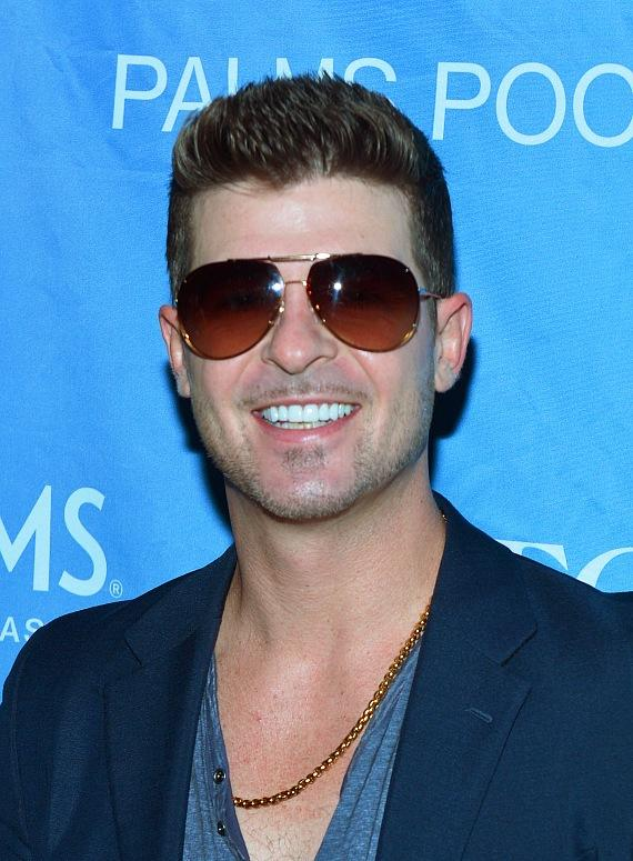 """Robin Thicke looks handsome on the """"Ditch Fridays"""" at Palms Pool red carpet"""
