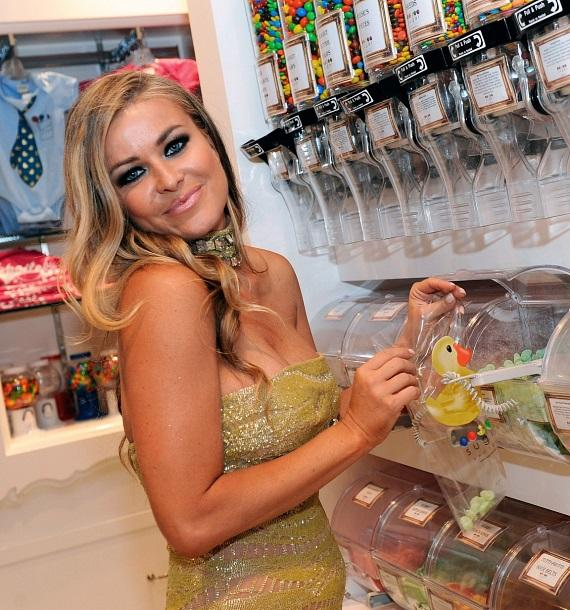 Carmen Electra shopping for sweets at the Sugar Factory retail store at Paris Las Vegas