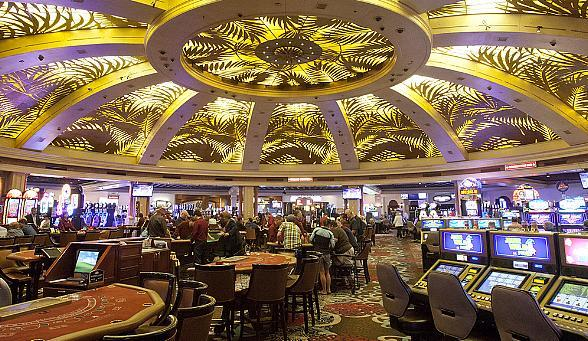 Rampart Casino Makes a Deal with the Cash Wheel and Bingo Celebrates Father's Day and Flag Day