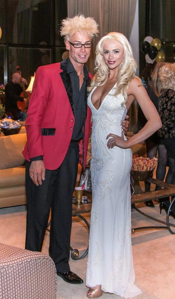 MURRAY and CHLOE give Tribute to Vintage Vegas at The Riviera!