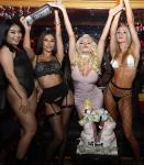 Courtney Stodden Celebrates with Cake-570