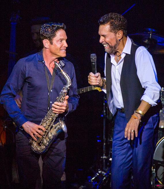 """Special Guest Dave Koz Surprises """"Clint Holmes: Between the Lines"""" Audience Members with a Soulful Performance at The Palazzo Las Vegas"""