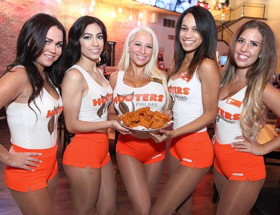 Hooters Grand Opening with Wings
