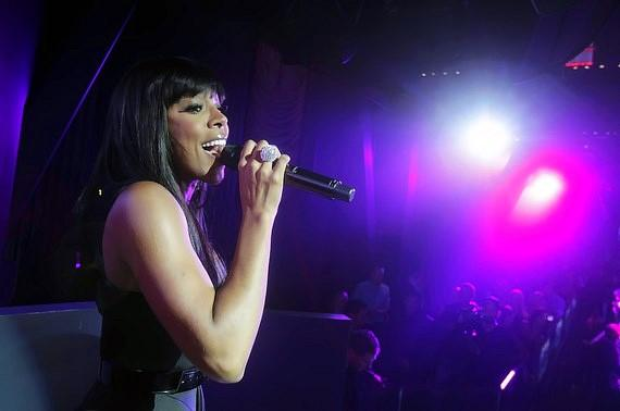 Kelly Rowland sings her heart out during her performance at Chateau Nightclub & Gardens