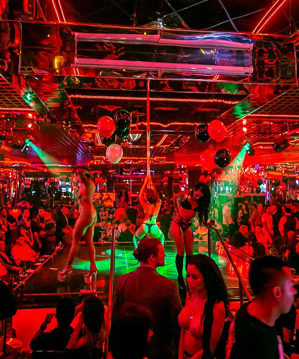"""Crazy Horse III to Host """"Show Us Your Tips"""" Mardi Gras Party"""