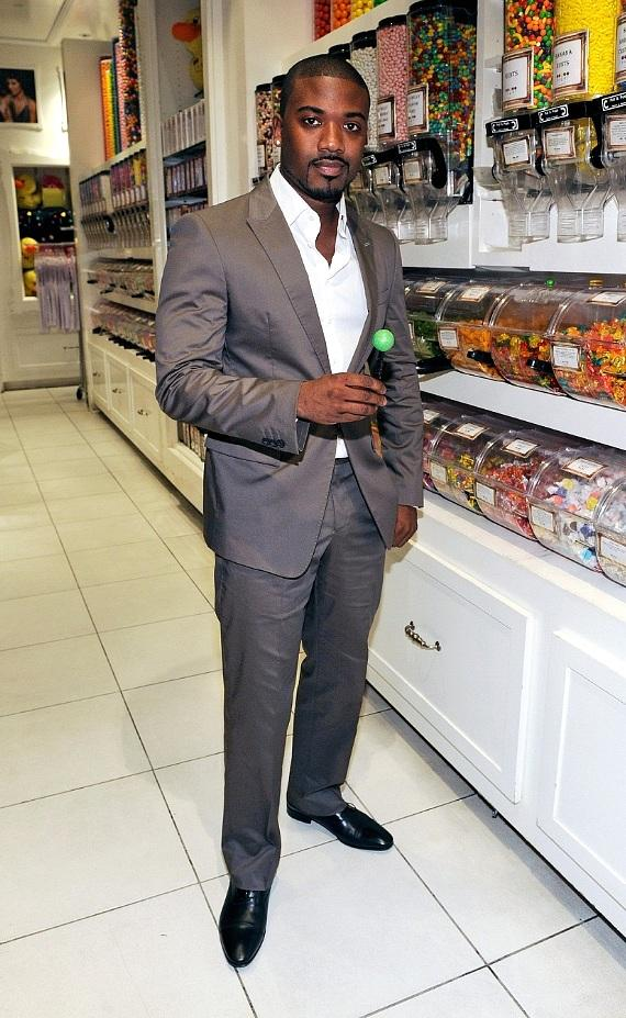 Ray J poses with a Signature Sugar Factory Couture Pop at Sugar Factory in Las Vegas