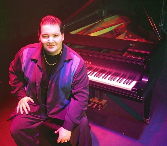 "Ryan Ahern Strikes a Chord with ""Piano! Las Vegas"" at Planet Hollywood Resort & Casino"