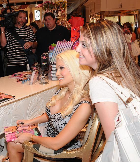 """Holly Madison hosts book signing for """"The Showgirl Next Door"""" at Sugar Factory"""