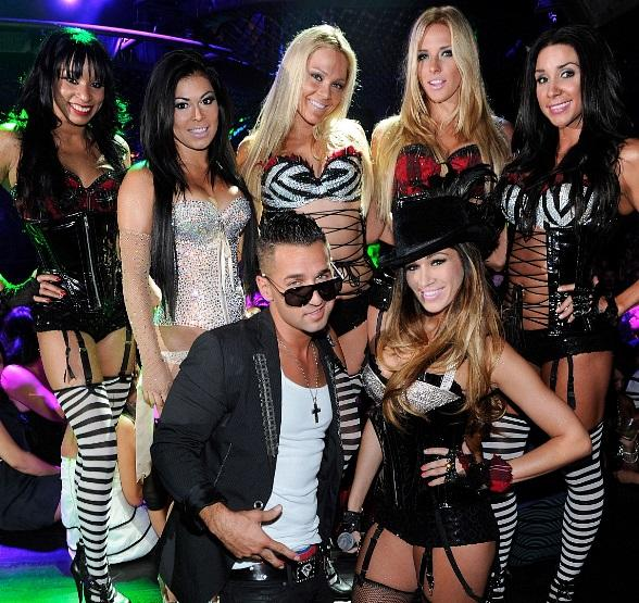 "Mike ""The Situation""  Sorrentino with Pussycat Dolls"