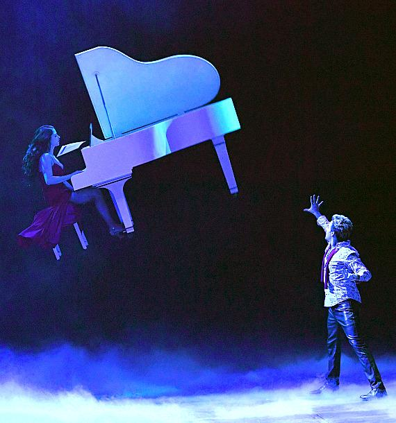 Tommy Wind in Masters of Illusion at Bally's Las Vegas_credit Ethan Miller for Masters of Illusion Las Vegas