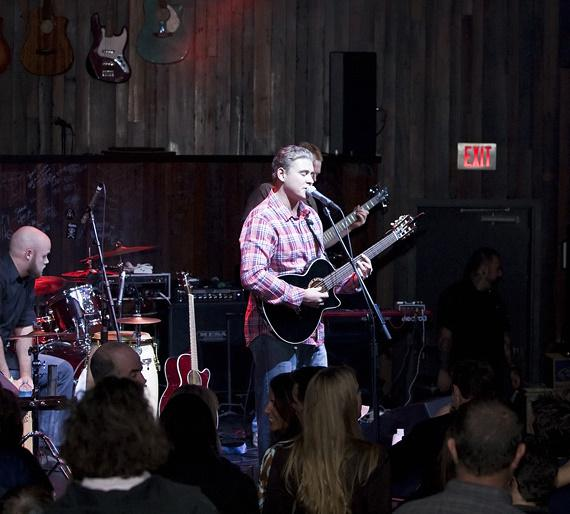 Sean Heyl and Ocean City Defined perform at Wasted Space