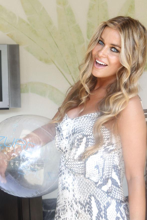 Carmen Electra Parties at Azure Luxury Pool at The Palazzo