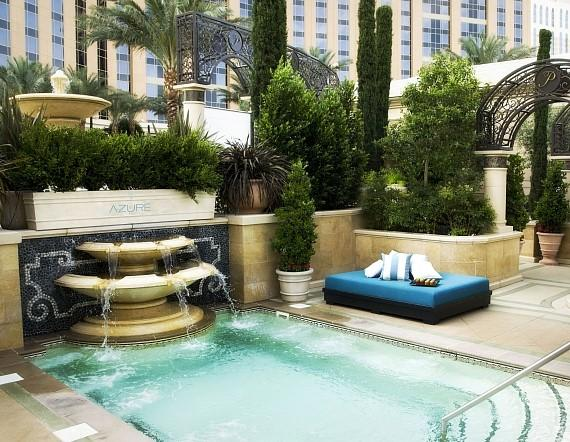 Small pool fountain at AZURE at The Palazzo