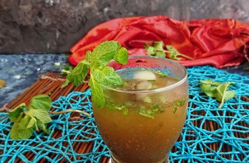 Minty Tamarind Cooler recipe by www.vegetariantastebuds.com