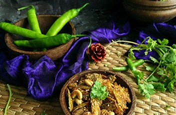 Kaju Karela recipe by www.vegetariantastebuds.com