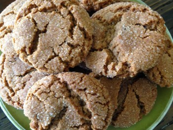 Nana's Molasses Cookies Recipe - http://www.vegetarianzen.com