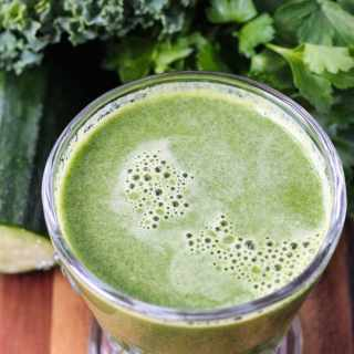 Green Vegetable Juice with Apple