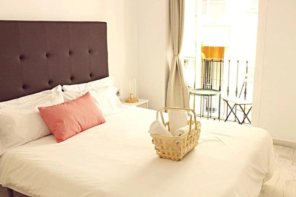Picnic Dreams Vegan Friendly Hostel in Malaga