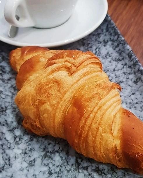 VG Pâtisserie vegan croissant in paris