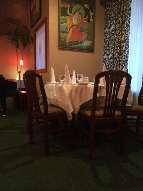Taste of Tandoor Elegant Intimate Setting