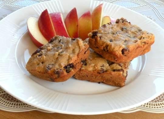 Vegan Chocolate chip peanut cake recipe