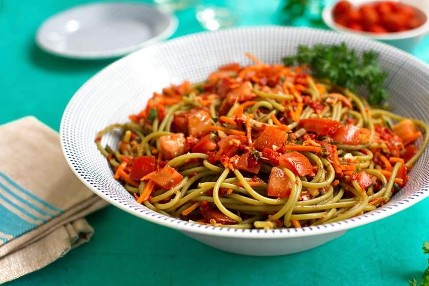 Linguine with artichokes and red pepper sauce