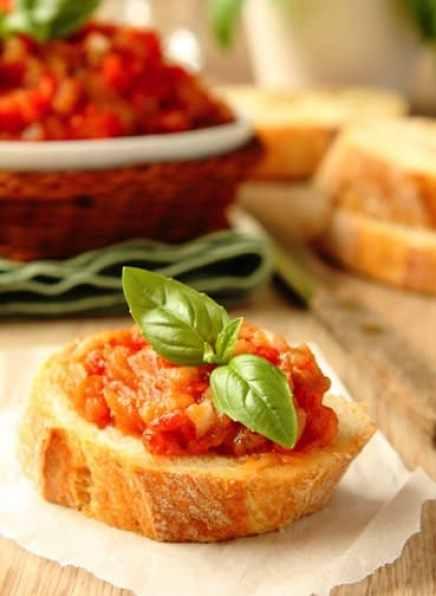 Eggplant and tomtit spread on bruschetta