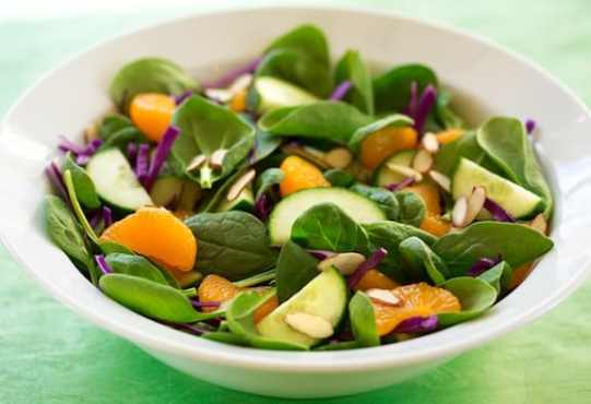 Spinach, orange, and red cabbage salad recipe