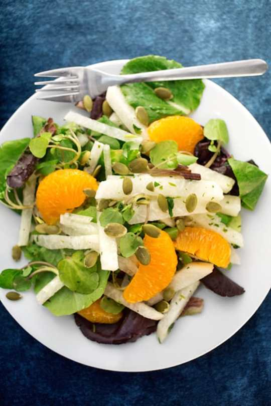 Jicama salad with oranges and watercress