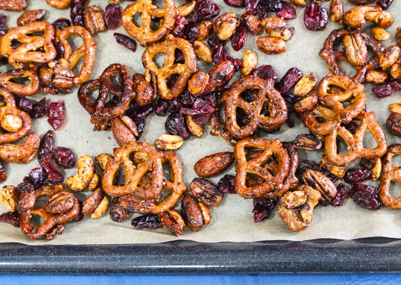 10 easy inexpensive party snacks to make at the last minute
