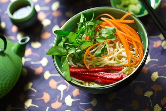 Udon noodle soup with crisp vegetables