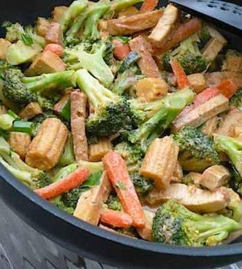 Thai broccoli and tofu with peanut satay sauce