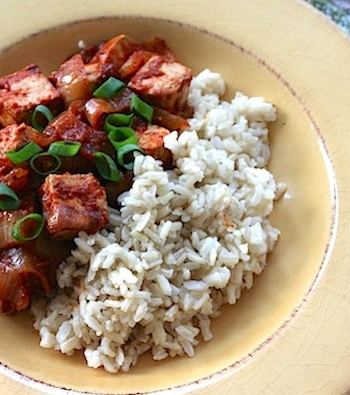 Barbecue-flavored tofu and onion skillet