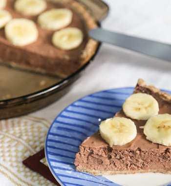 Vegan Chocolate Banana mousse pie