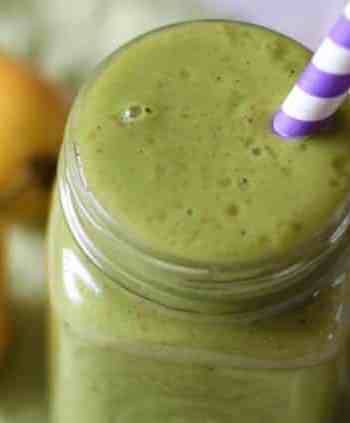 Pear and spinach smoothie from Love and Lentils