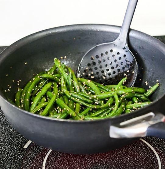 Sesame Stir-Fried Green beans