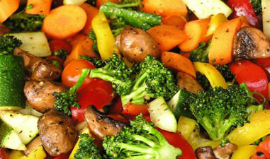 Veg-Heavy Diet Cuts Cancer Risk