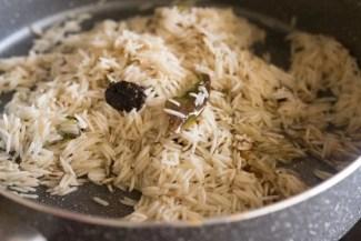 Kashmiri pulao being made