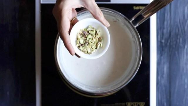 preparing kesar pista malai kulfi recipe