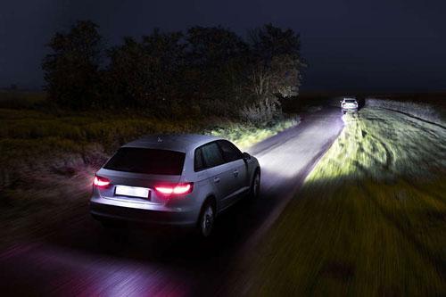 Cos'è una lampadina alogena per auto