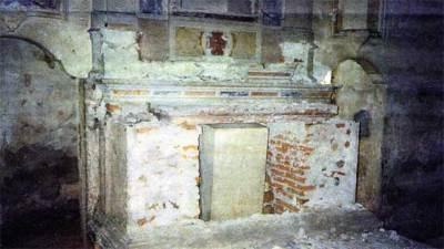 altare-distrutto-lepia
