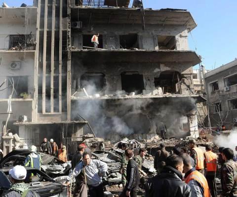 siria-guerra-palazzo-distrutto-