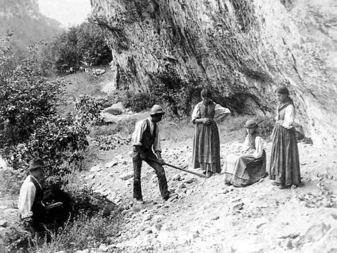 Scavi al riparo Scalucce, foto Dal Fabbro del 15 settembre 188