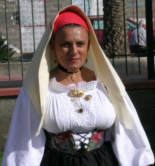 sardegna-costume-femminile.1000