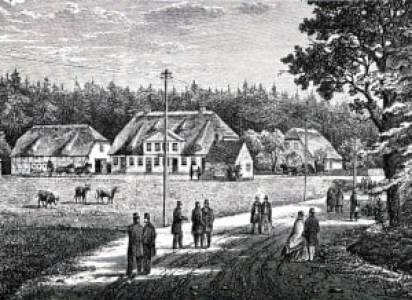 Ny Holte Kro 1864. Foran kroen ses bomhuset og bommen.