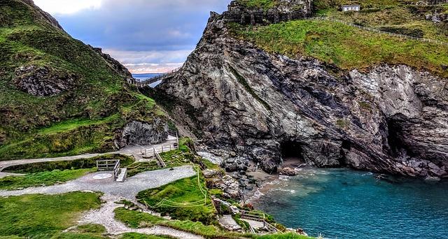Merlinova jeskyně, Tintagel